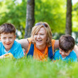 Happy mother with kids — Foto de stock #26172797