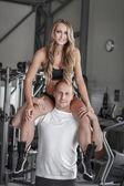 Young fit couple — Stock Photo