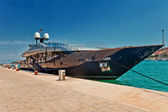 The huge luxury yacht parked in the water of Trogir Croatia — Stock Photo