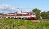 Suburban electric train in Kyiv region, Ukraine — Stock Photo