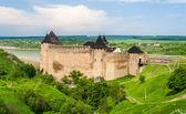 Chotyn slott på floden dnjestr. ukraina — Stockfoto
