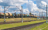Classification of tank cars by pushing over a hump — Stockfoto