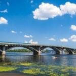 View of Dnieper river and Metro bridge in Kiev, Ukraine — Stock Photo #13436543