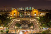 The Palais de Chaillot, the Trocadero and La Defense — Stock Photo