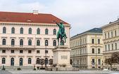 马克西米利安纪念碑的巴伐利亚-慕尼黑,德国 — 图库照片