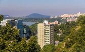 Widok z dzielnic mieszkaniowych Bratysława - Słowacja — Zdjęcie stockowe