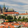 View of Prague Castle (Prazsky hrad) with St. Vitus Cathedral — Stock Photo