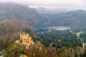 View of Hohenschwangau Castle in Bavarian Alps, Germany — Stock fotografie