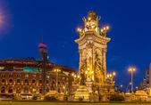 Fountain on Place d'Espagne in Barcelona — Stock Photo