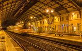 Regional train leaving Avignon station - France — Stock Photo