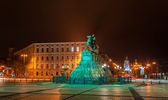 The Bogdan Khmelnitsky monument and Mikhailovsky monastery in Ky — Stock Photo