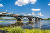 View of Metro Bridge over Dnieper in Kyiv, Ukraine — Stock Photo