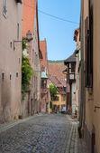 Úzká ulice v saverne - Alsasko, Francie — Stock fotografie