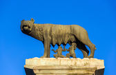 Capitoline Wolf statue in Rome, Italy — Stock Photo