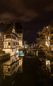 Alsatian style houses in Petite France area of Strasbourg — Stock Photo