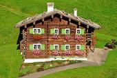 Wooden House,Kleinwalsertal,Austria — Stock Photo