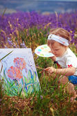 The little girl draws a picture — Photo