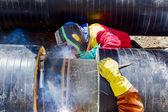 Boru hattında çalışan kaynakçılar. — Stok fotoğraf