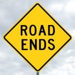 dopravní značka - cesta končí v mracích — Stock fotografie #12053572