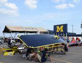 équipe de l'université du michigan voiture solaire — Photo