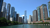 Chicago river view, with Trump International Hotel and Tower — Stock Photo