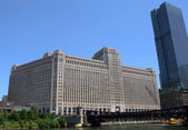 Merchandise Mart Building in Chicago — Stock Photo