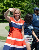 Democratic candidate Debbie Dingell at the Ypsilanti, MI 4th of  — Stock Photo