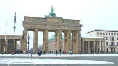 Brandenburg gate in Berlin — Stock Video