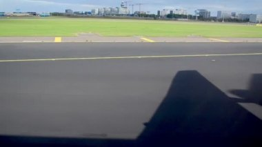 Plane on the runway — Stockvideo
