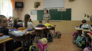 Pupils with teacher — Vidéo