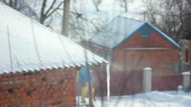 雪の屋根 — ストックビデオ