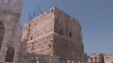 Flags over the tower of David in Jerusalem — Stock Video