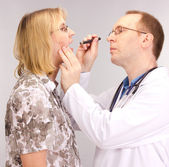 Medical doctor and patient — Stock Photo