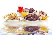 Dishes filled with gingerbreads — Stock Photo
