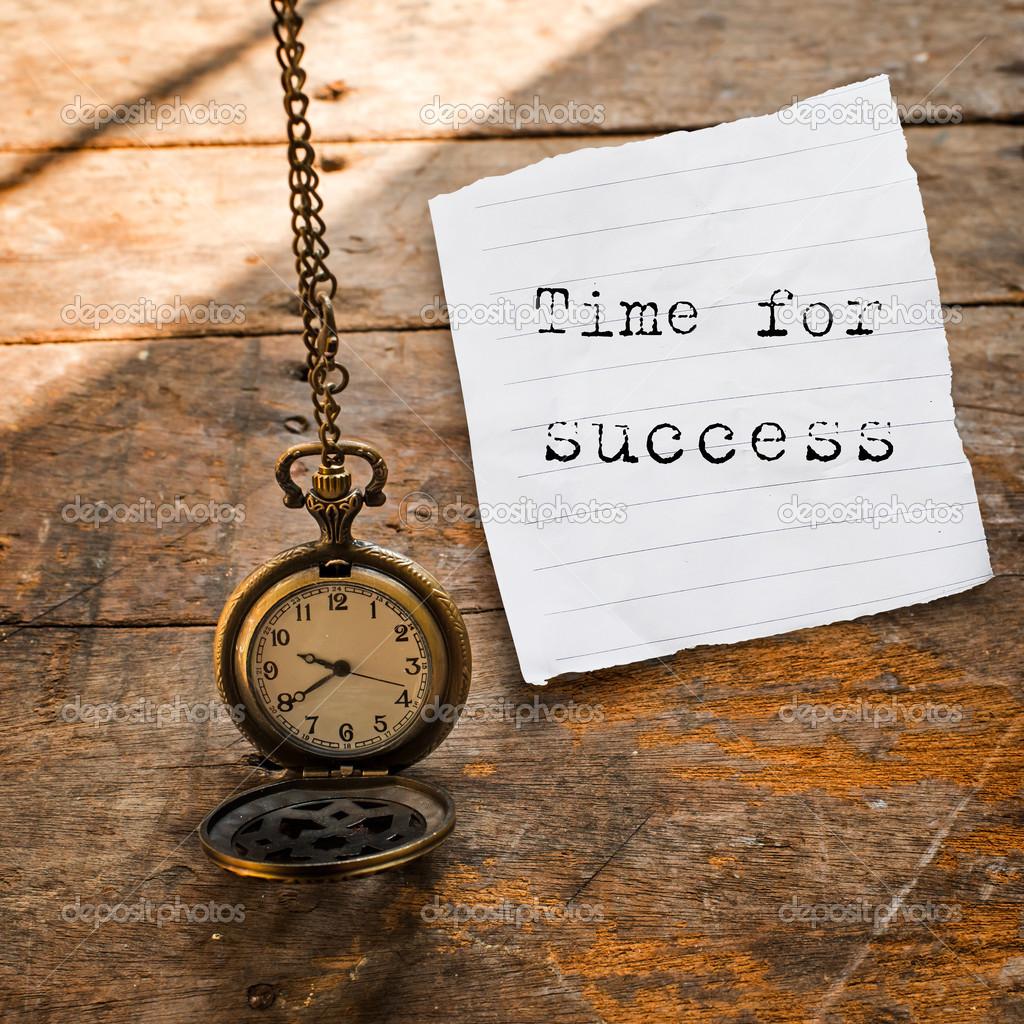 Tiempo para el mensaje de xito en el reloj de bolsillo - Reloj de cadena ...