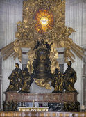 Chair of St. Peter, venerated as the throne of St. Peter (Bernin — Stock Photo