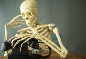 A morte faz uma chamada de telefone — Foto Stock