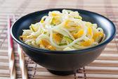 Macarrão chinês salteado com legumes — Foto Stock