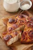 Homemade cinnamon roll cake — Stock Photo