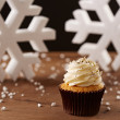 Vanillcupcake on Christmas background — Stock Photo #35795531