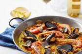 典型的西班牙海鲜饭 — 图库照片