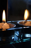 Candle and its reflection — Stock Photo