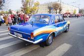 Retro car Volga GAZ 24 on the Olympic torch relay — Zdjęcie stockowe