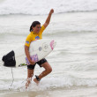 PHUKET, THAILAND - SEPTEMBER 15: unidentified  surfer races the — Foto Stock