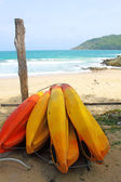 Pranchas de surf na praia de yanui, phuket tailândia — Foto Stock