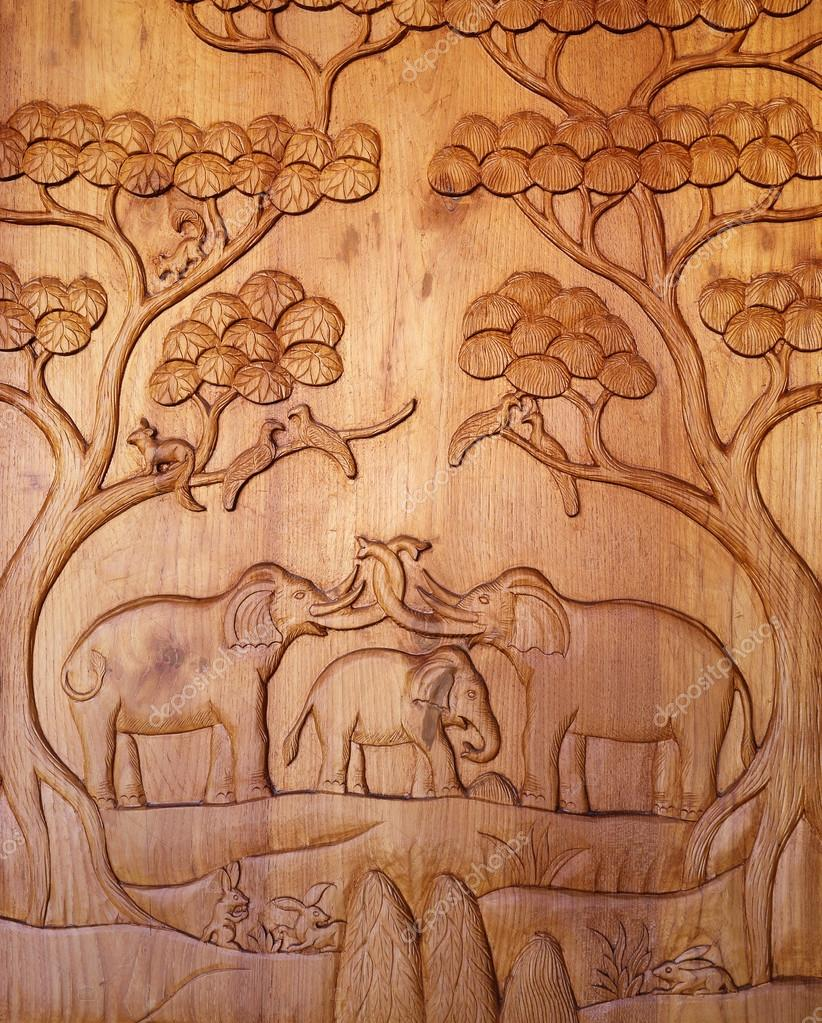 Elephant wood carving from thailand — stock photo