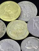 Staré mince různých národností, z různých období. — Stock fotografie