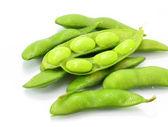Edamame nibbles, grãos de soja verde cozida, comida japonesa — Fotografia Stock