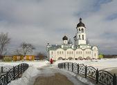 Monastère orthodoxe au début du printemps — Photo
