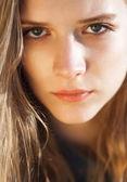 Ung vacker flicka närbild porträtt — Stockfoto